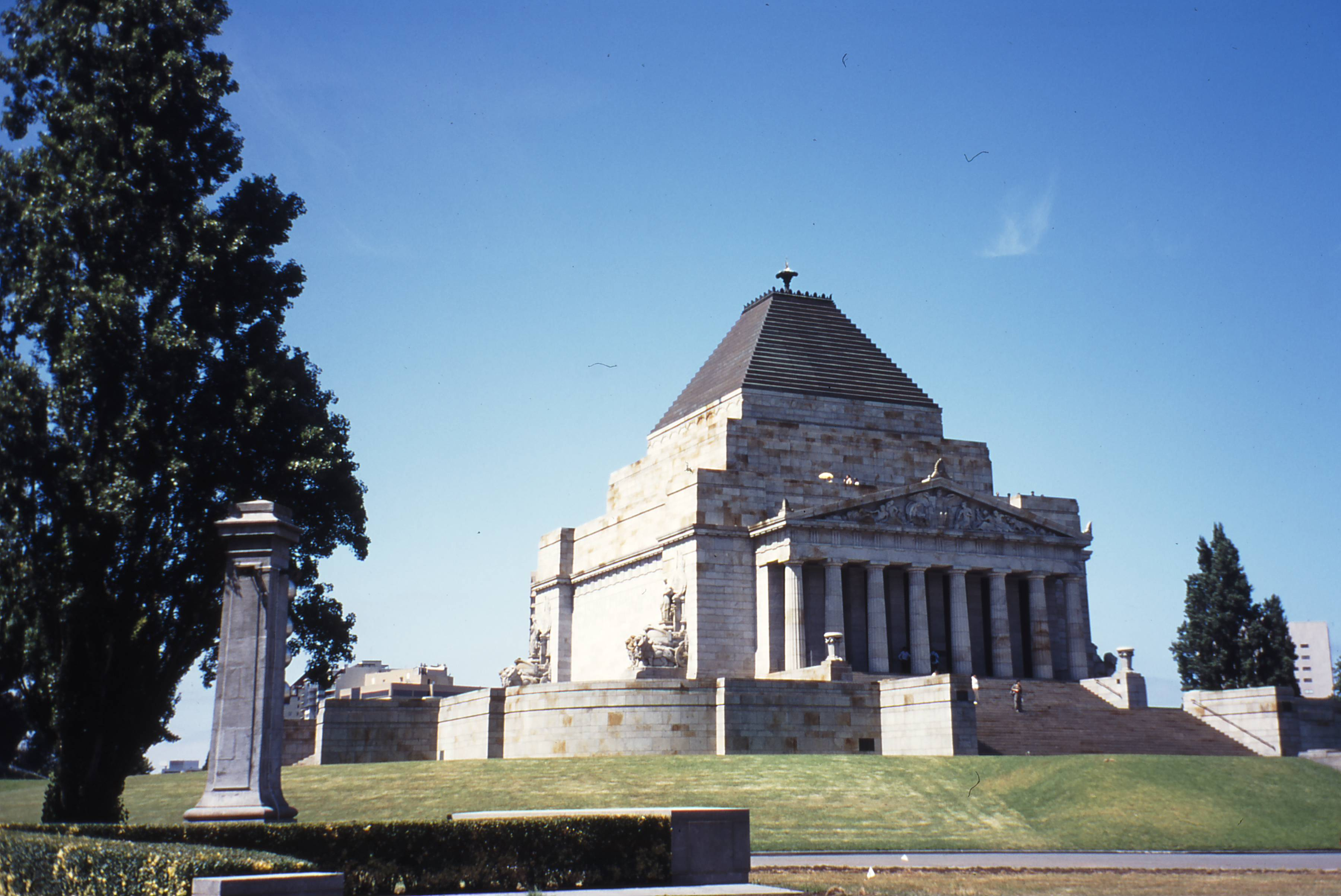 Cemetery Definitions -- Cenotaph in Australia