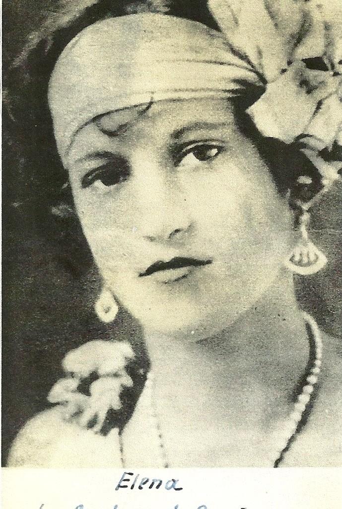 Elena Hoyos